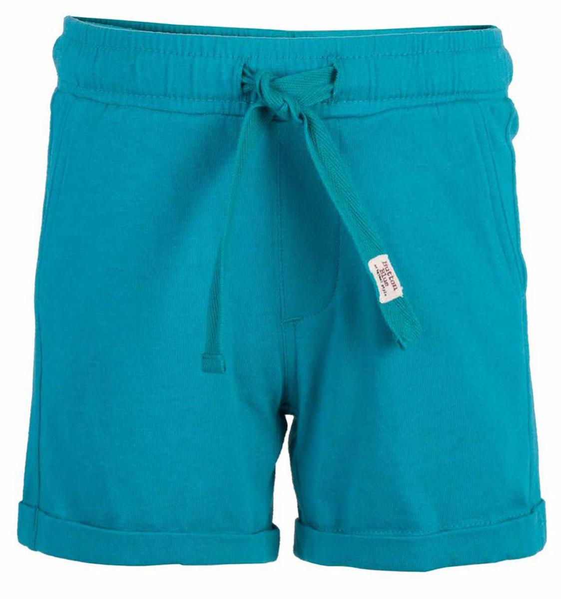 Шорты117BBBC54012800Модные яркие трикотажные шорты на резинке - прекрасное решение на каждый день! И дома, и в лагере, и на спортивной площадке шорты для мальчика обеспечат комфорт. Купить недорого детские шорты от Button Blue, значит, сделать каждый летний день ребенка радостным и беззаботным!