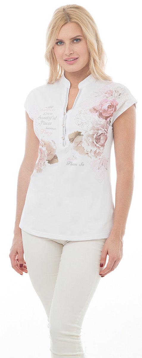 ФутболкаBGUZ-972Стильная женская футболка BeGood изготовлена из высококачественного плотного эластичного хлопка приятного на ощупь. Модель облегающего кроя с короткими цельнокроеными рукавами и V-образным вырезом горловины оформлена принтом с изображением роз и надписями. На груди изделие застегивается на три пуговицы, декорированные стразами. Такая футболка великолепно дополнит летний гардероб и поможет вам создать элегантный образ.