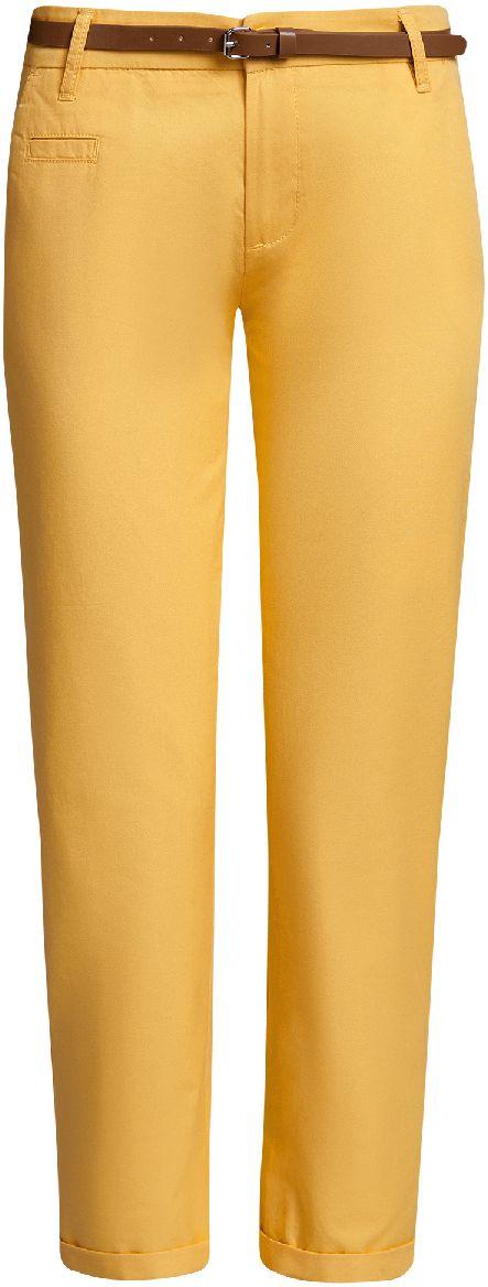 Брюки11706193B/42841/6500NЖенские брюки oodji Ultra выполнены из высококачественного материала. Модель-чинос стандартной посадки застегивается на пуговицу в поясе и ширинку на застежке-молнии. Пояс имеет шлевки для ремня. Спереди брюки дополнены втачными карманами, сзади - прорезными на пуговицах. К модели прилагается ремешок.