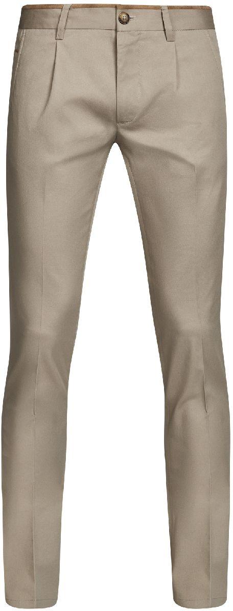 Брюки2L200165M/23421N/3300NМужские брюки oodji Lab выполнены из высококачественного материала. Модель стандартной посадки застегивается на пуговицу в поясе и ширинку на застежке-молнии. Пояс имеет шлевки для ремня. Спереди брюки дополнены втачными карманами, сзади - прорезными.