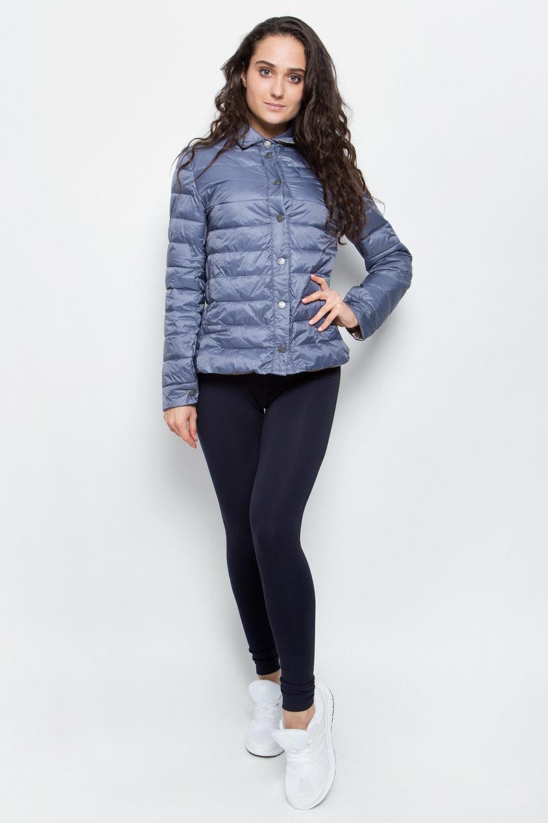 КурткаAL-3123Необыкновенно женственная стеганая куртка Grishko утеплена тонким холлофайбером. Эффектная контрастная отделка, отложной воротничок, пиджачный силуэт с разрезами на бедрах делают модель абсолютно универсальной вещью в гардеробе любой модницы. Куртка прекрасно смотрится и с платьем и с джинсами, что делает ее незаменимой для городских будней и беззаботных выходных в новом весенне-летнем сезоне. Холлофайбер - это утеплитель, который отличается повышенной теплоизоляцией, антибактериальными свойствами, долговечностью в использовании,и необычайно легок в носке и уходе. Изделия легко стираются в машинке, не теряя первоначального внешнего вида.