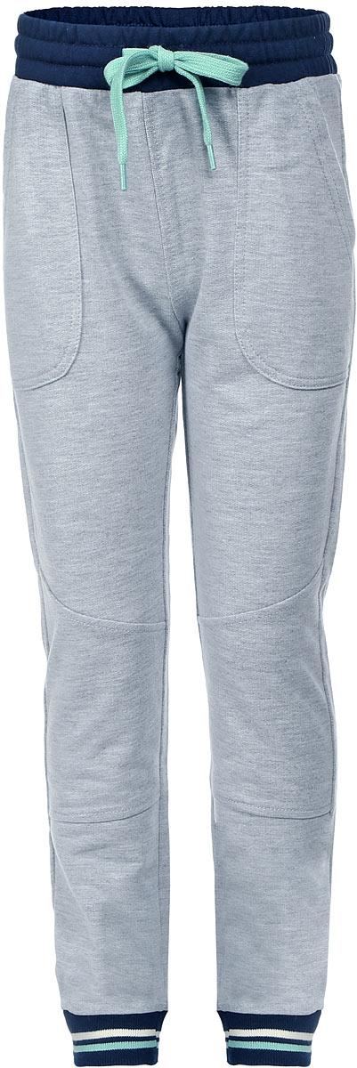 Брюки спортивныеPk-715/102-7122Удобные спортивные брюки для мальчика Sela выполнены из качественного хлопкового материала и дополнены двумя накладными карманами. Брюки прямого кроя и стандартной посадки на талии имеют широкий пояс на мягкой резинке, дополнительно регулируемый шнурком. Низ брючин дополнен мягкими трикотажными резинками с контрастными полосками.