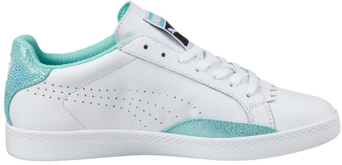 Кеды36272402Модель Match 74 сохраняет простоту и чистоту линий, свойственную классическим теннисным туфлям вообще, и, в частности, легендарным Puma Match коллекции 1974 года. Двойные кожаные накладки по бокам обеспечивают устойчивое положение стопы, так необходимое теннисисту. Кожаный верх простых и чистых цветов снабжен деталями контрастной отделки на заднике и внизу ближе к носку, а также дополнительную накладку на носке, благодаря которой модель в её сегодняшнем варианте приобрела универсальность отличной уличной обуви.