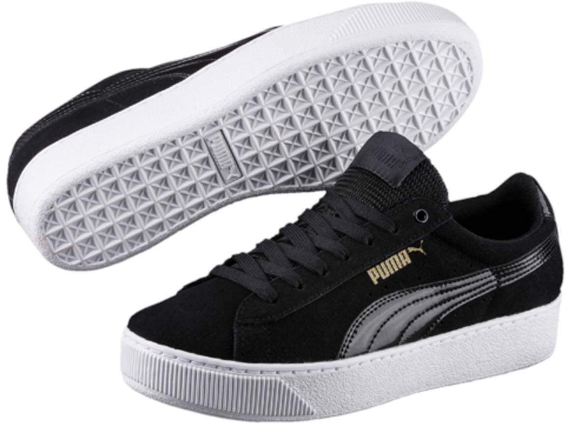 Кеды36328705Вся линейка Vikky от PUMA - это сочетание спортивности и женственности, и модель Puma Vikky Platform не исключение. Высокая подошва-платформа дополняется классическим верхом из замши и дышащим язычком из сетчатого материала. О вашем комфорте и свежести позаботится стелька из материала SoftFoam. В обуви серии Vikky от PUMA можно зажигать где угодно!