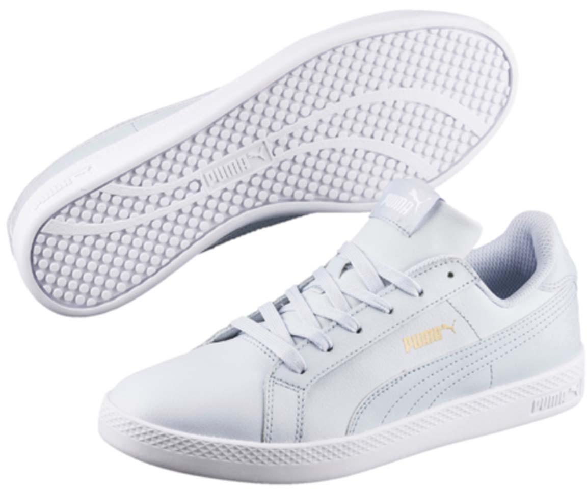 Кеды36078012Модель Puma Smash Wns L для женщин сохраняет простоту и чистоту линий, свойственную классическим теннисным туфлям. Верх из мягкой кожи с традиционной полосой придает модели женственный, нарядный и стильный облик и делает её отличным дополнением к повседневному гардеробу.