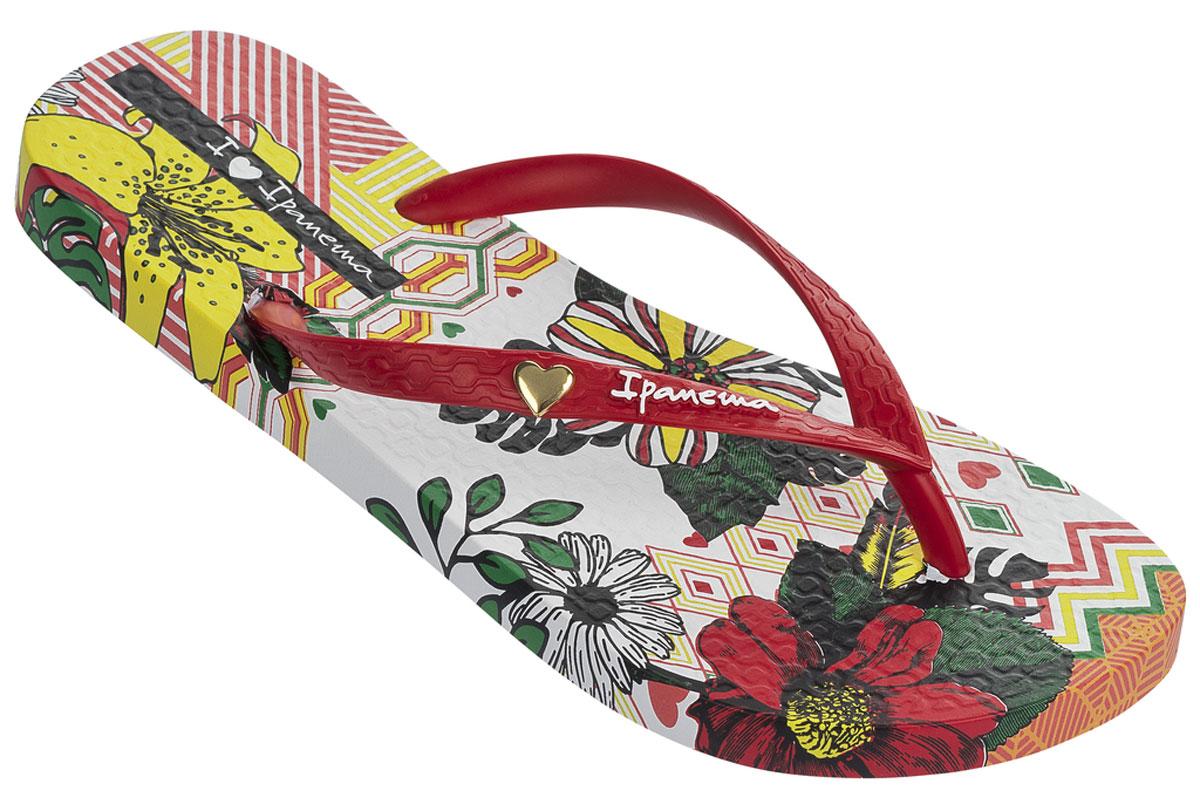 Сланцы82034-21682Красивые и красочные, женские пантолеты. Модель украшена, цветочным принтом. Верх украшен, принтом фирмы и декоративным элементом в виде сердечка.