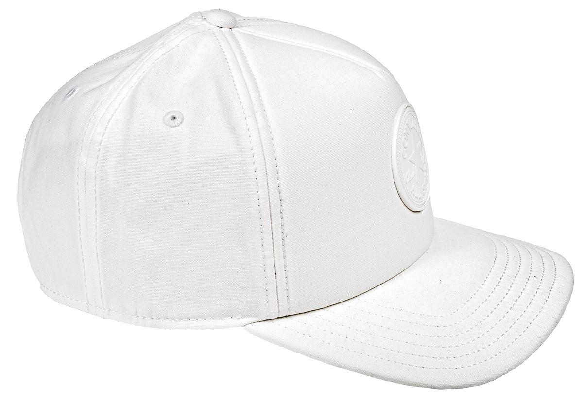 Бейсболка529851Стильная бейсболка Converse идеально подойдет для прогулок, занятий спортом и отдыха. Бейсболка, выполненная из 100% хлопка, надежно защитит вас от солнца и ветра. Модель имеет классическую конструкцию из шести панелей и специальные вентиляционные отверстия. Изделие оформлено вышивкой с логотипом бренда. Объем бейсболки регулируется при помощи фиксатора.