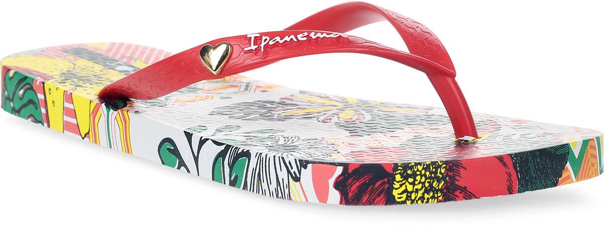 Сланцы82034-21682Стильные и очень легкие сланцы от Ipanema - придутся вам по душе. Верх модели выполнен из поливинилхлорида. Ремешки с перемычкой гарантируют надежную фиксацию изделия на ноге. Стелька украшена ярким, цветочным рисунком. Верх изделия дополнен логотипом бренда и декоративным сердечком. Рифление на верхней поверхности подошвы предотвращает выскальзывание ноги. Рельефное основание подошвы обеспечивает уверенное сцепление с любой поверхностью. Удобные сланцы прекрасно подойдут для похода в бассейн или на пляж.