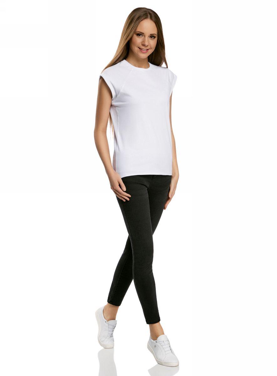 Футболка14707001B/46154/1000NБазовая футболка свободного кроя с круглым вырезом горловины и короткими рукавами-реглан выполнена из натурального хлопка.