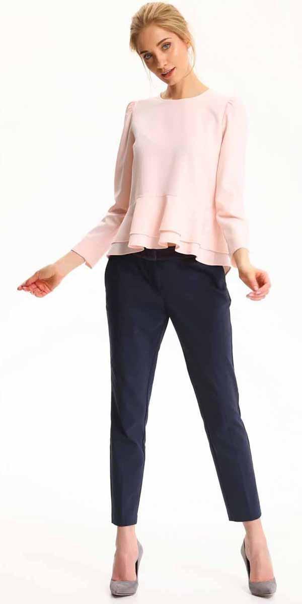 БлузкаSBD0695JRБлузка женская Top Secret выполнена из полиэстера. Модель с круглым вырезом горловины и длинными рукавами.