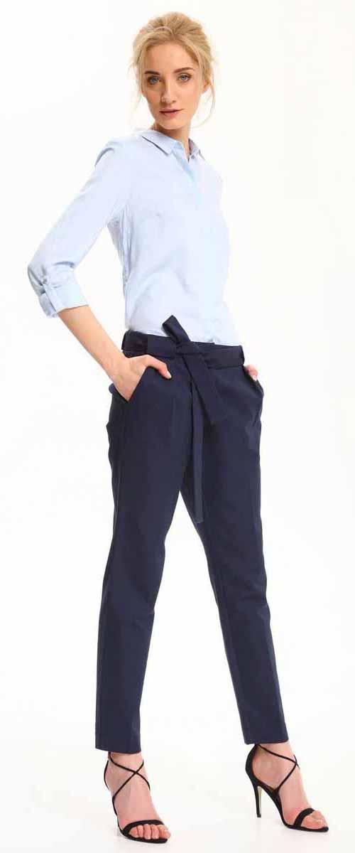 РубашкаSKL2306BLРубашка женская Top Secret выполнена из 100% вискозы. Модель с отложным воротником застегивается на пуговицы.