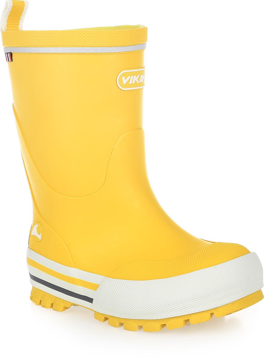 Резиновые сапоги1-12150-00013Модные резиновые сапоги от Viking - идеальная обувь в дождливую погоду для вашего ребенка. Модель с противоударным носком оформлена эмблемой с названием бренда. Внутренняя поверхность и стелька, выполненные из синтетического материала со скрученными волокнами, способствующими поддержанию тепла, комфортны при ходьбе. Ярлычок на заднике облегчает обувание модели. Светоотражающая полоска увеличивает безопасность вашего ребенка в темное время суток. Подошва с протектором гарантирует отличное сцепление с любой поверхностью. Резиновые сапоги - необходимая вещь в гардеробе каждого ребенка.