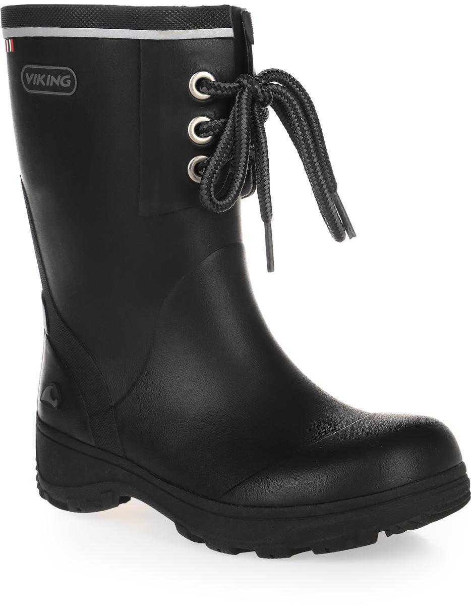 Резиновые сапоги1.24000.00250Модные резиновые сапоги от Viking - идеальная обувь в дождливую погоду для вашего мальчика. Модель с противоударным носком спереди оформлена декоративной шнуровкой. Внутренняя поверхность и стелька, выполненные из синтетического материала со скрученными волокнами, способствующими поддержанию тепла, комфортны при ходьбе. Светоотражающая полоска увеличивает безопасность вашего ребенка в темное время суток. Подошва с протектором гарантирует отличное сцепление с любой поверхностью. Резиновые сапоги - необходимая вещь в гардеробе каждого мальчика.