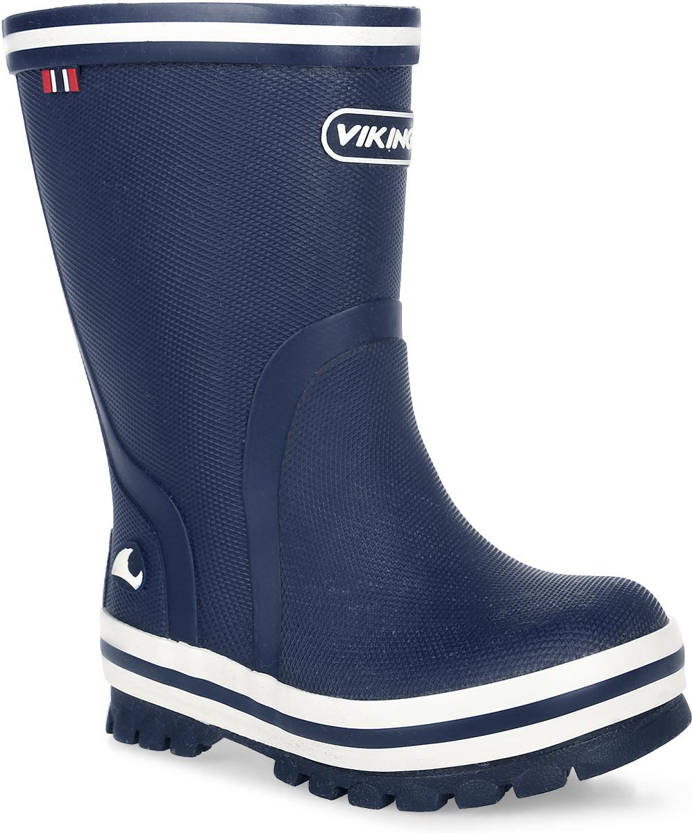 Резиновые сапоги1-17000-00005Модные резиновые сапоги от Viking - идеальная обувь в дождливую погоду для вашего ребенка. Модель с противоударным носком оформлена эмблемой с названием бренда и полосками контрастного цвета. Внутренняя поверхность и стелька, выполненные из синтетического материала со скрученными волокнами, способствующими поддержанию тепла, комфортны при ходьбе. Светоотражающая полоска на голенище увеличивает безопасность вашего ребенка в темное время суток. Подошва с протектором гарантирует отличное сцепление с любой поверхностью. Резиновые сапоги - необходимая вещь в гардеробе каждого ребенка.