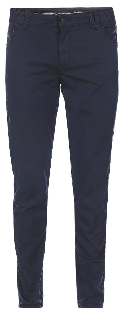 БрюкиB797016_Deep NavyСтильные мужские брюки Baon выполнены из плотного хлопка с небольшим добавлением эластана. Классическая модель прямого кроя и стандартной посадки застегивается на ширинку с застежкой-молнией, а также на пуговицу в поясе. На поясе предусмотрены шлевки для ремня. Брюки оснащены двумя втачными карманами и потайным кармашком спереди, и двумя накладными карманами сзади.