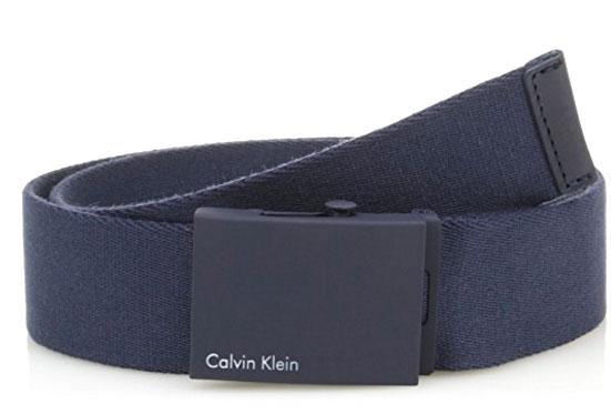 РеменьK50K500972_0000Мужской ремень Calvin Klein выполнен из прочного качественного текстиля. Пряжка с названием бренда выполнена из металла, она позволит легко и быстро зафиксировать ремень и отрегулировать его длину. Уважаемые клиенты! Обращаем ваше внимание на тот факт, что размер ремня, доступный для заказа, является его длиной.