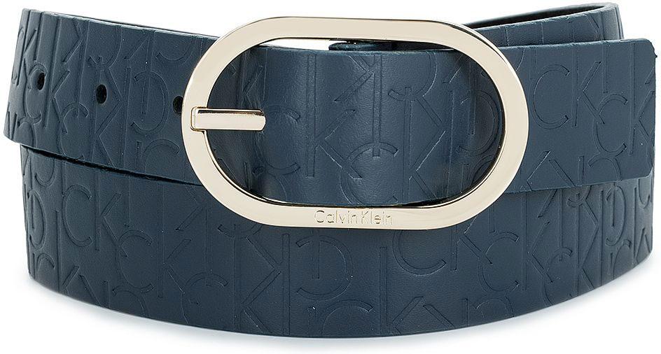 РеменьK60K602239_0010Женский ремень Calvin Klein выполнен из 100% натуральной кожи. Овальная пряжка выполнена из металла, она позволит легко и быстро зафиксировать ремень и отрегулировать его длину. Уважаемые клиенты! Обращаем ваше внимание на тот факт, что размер ремня, доступный для заказа, является его длиной.