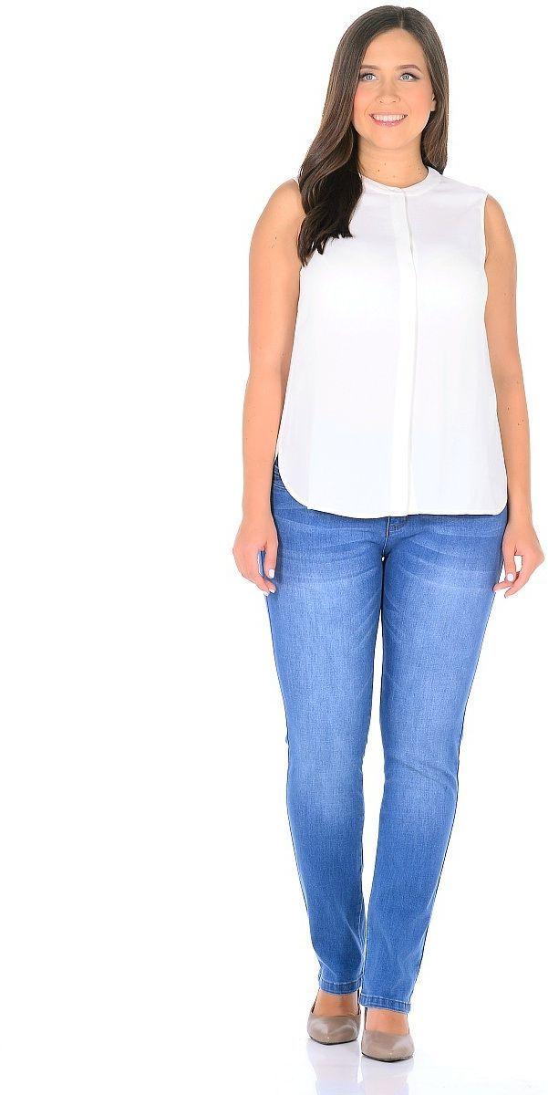 ДжинсыWZ-1757CСтильные женские джинсы Milton выполнены из хлопка с добавлением полиэстера и спандекса. Материал мягкий на ощупь, не сковывает движения и позволяет коже дышать. На поясе предусмотрены шлевки для ремня. Джинсы со средней посадкой застегиваются на пуговицу в поясе и ширинку на застежке-молнии.