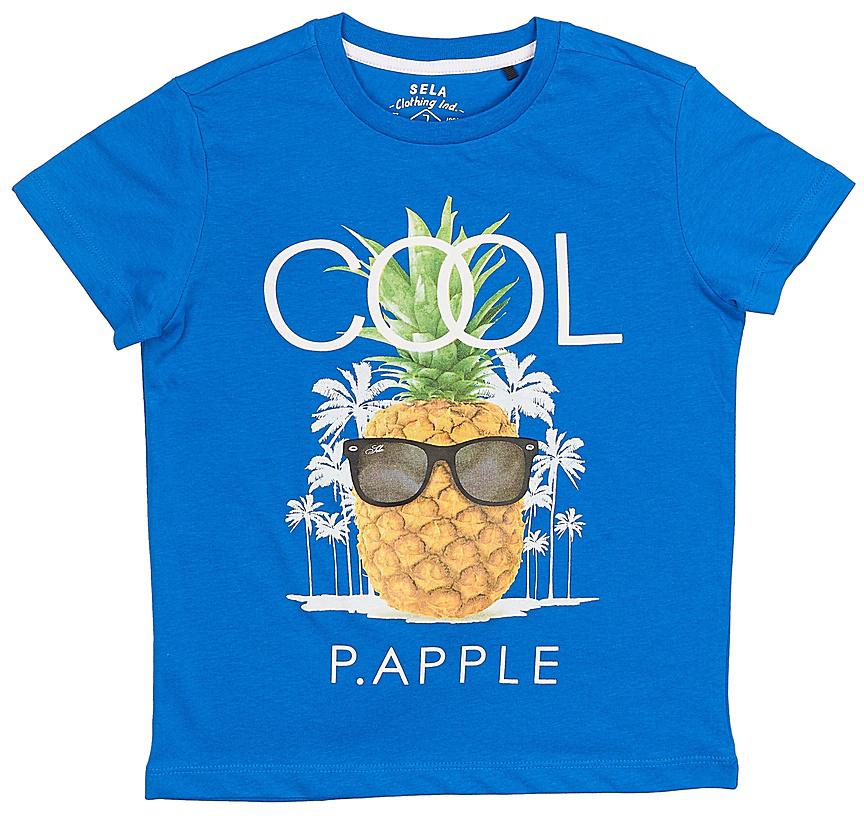 ФутболкаTs-811/604-7225Стильная футболка для мальчика Sela изготовлена из качественного хлопкового материала и оформлена оригинальным принтом. Воротник дополнен мягкой трикотажной резинкой. Яркий цвет модели позволяет создавать модные образы.