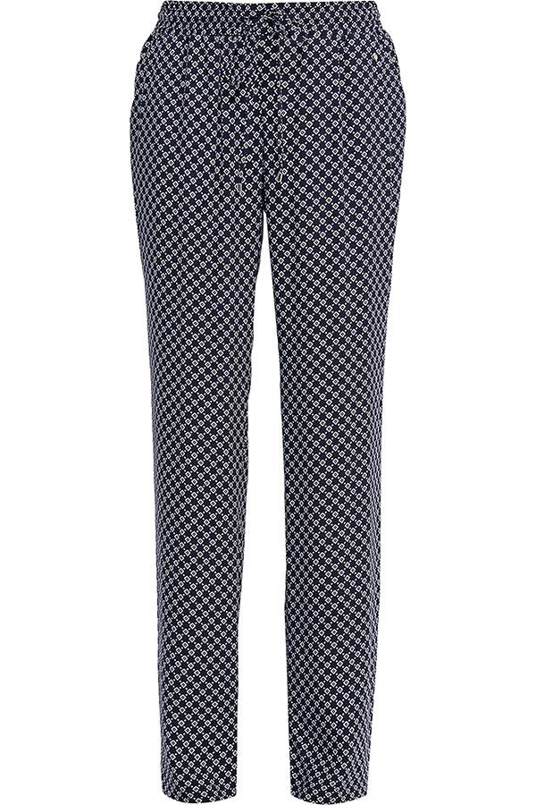 БрюкиS17-14004_101Стильные женские брюки Finn Flare станут отличным дополнением к вашему гардеробу. Модель изготовлена из вискозы, она великолепно пропускает воздух и обладает высокой гигроскопичностью. Эти модные и в тоже время удобные брюки помогут вам создать оригинальный современный образ. В них вы всегда будете чувствовать себя уверенно и комфортно.
