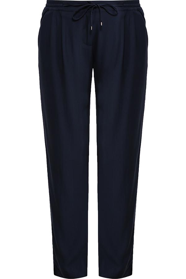 БрюкиS17-11051_101Стильные женские брюки Finn Flare станут отличным дополнением к вашему гардеробу. Модель изготовлена из вискозы, она великолепно пропускает воздух и обладает высокой гигроскопичностью. Эти модные и в тоже время удобные брюки помогут вам создать оригинальный современный образ. В них вы всегда будете чувствовать себя уверенно и комфортно.