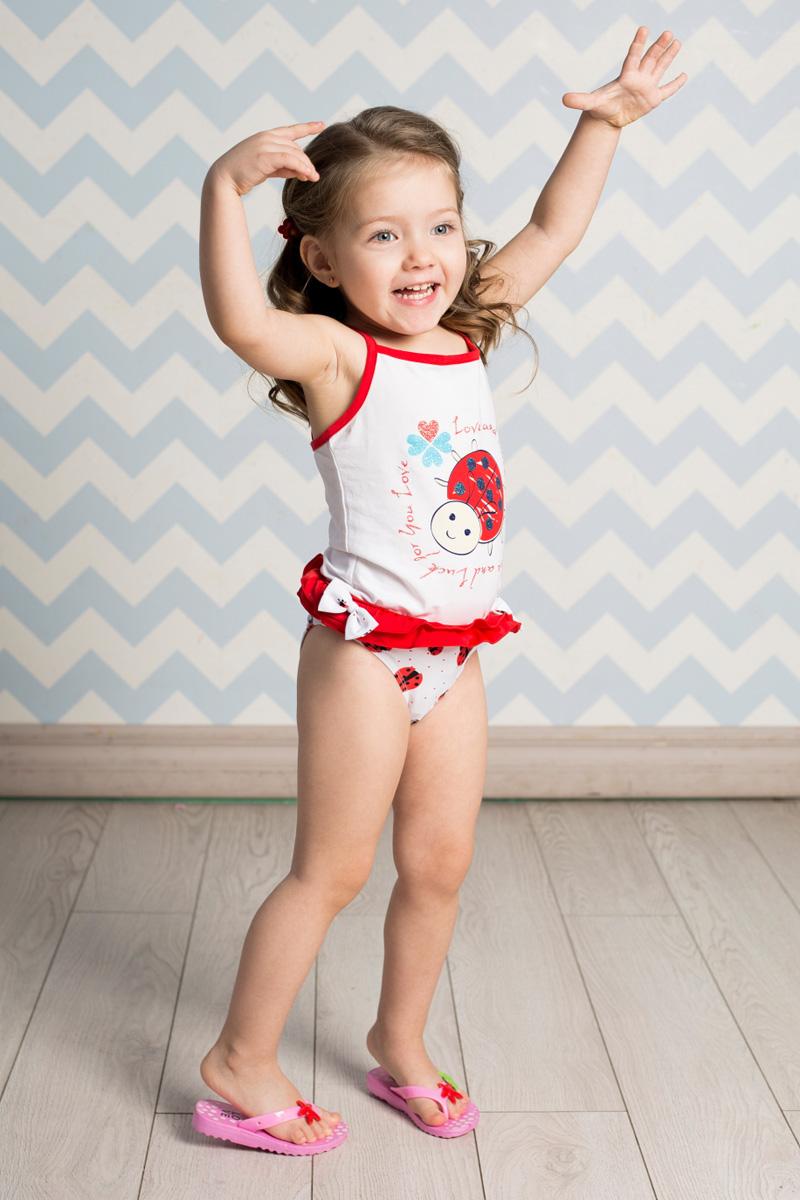 Купальные плавки712046Плавки для девочки Sweet Berry изготовлены из нейлона с добавлением эластана и оформлены ярким принтом, рюшами и декоративными бантиками. Пояс плавок на мягкой эластичной резинке не сдавливает живот ребенка и надежно фиксирует изделие на талии. Модель комфортна в носке, быстро сохнет и сохраняет первоначальный вид и форму при длительном использовании.
