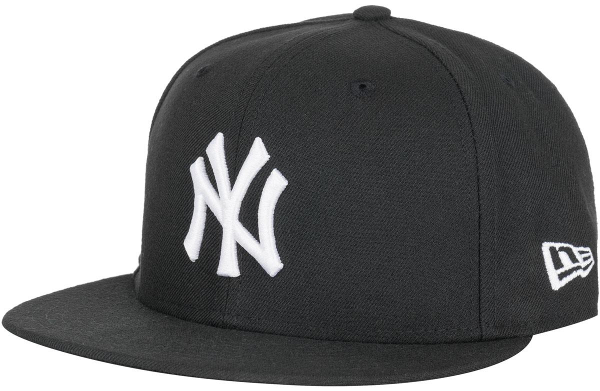 Бейсболка11277712-BLKWHTСтильная бейсболка New Era, выполненная из высококачественного материала, идеально подойдет для прогулок, занятий спортом и отдыха. Изделие оформлено объемным вышитым логотипом знаменитой бейсбольной команды New York Yankees и логотипом бренда New Era. Она надежно защитит вас от солнца и ветра. Эта модель станет отличным аксессуаром и дополнит ваш повседневный образ.