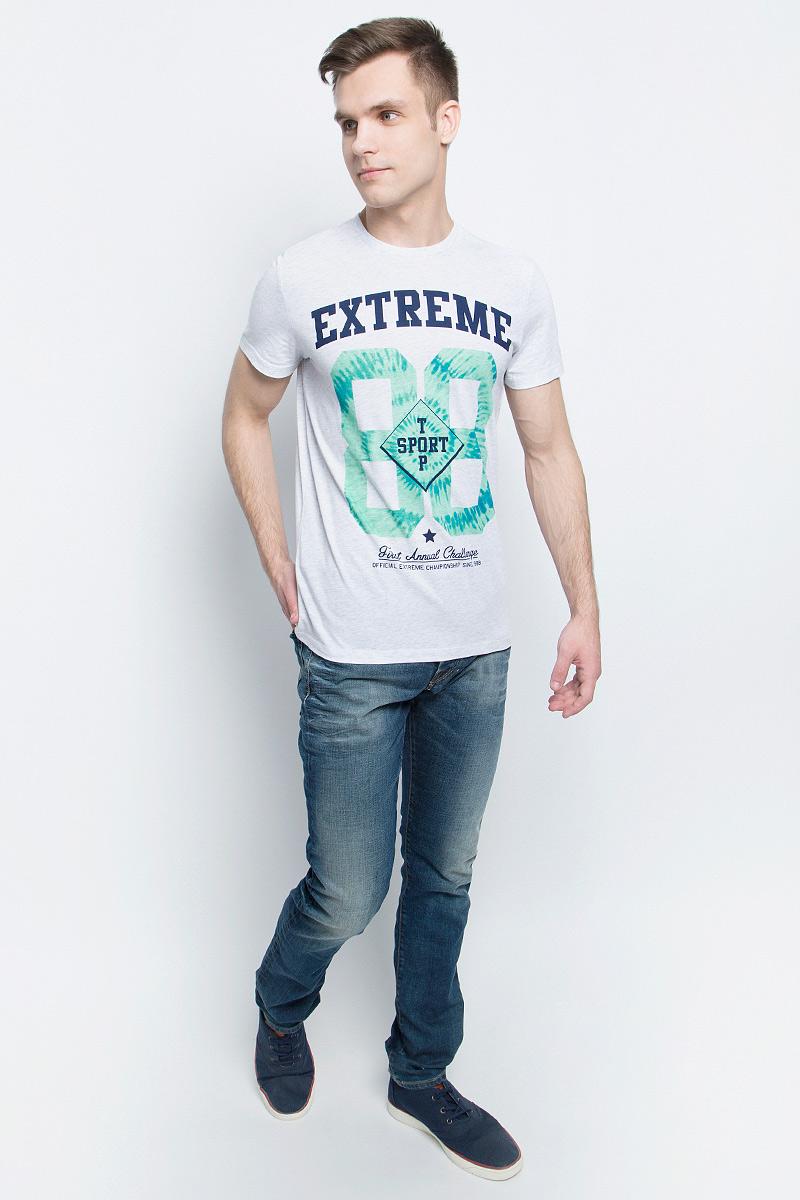 ФутболкаTs-2411/010-7214Стильная мужская футболка полуприлегающего силуэта Sela изготовлена из натурального хлопка и оформлена орининальным принтом с надписями. Воротник дополнен мягкой рикотажной резинкой. Яркий цвет модели позволяет создавать модные образы.