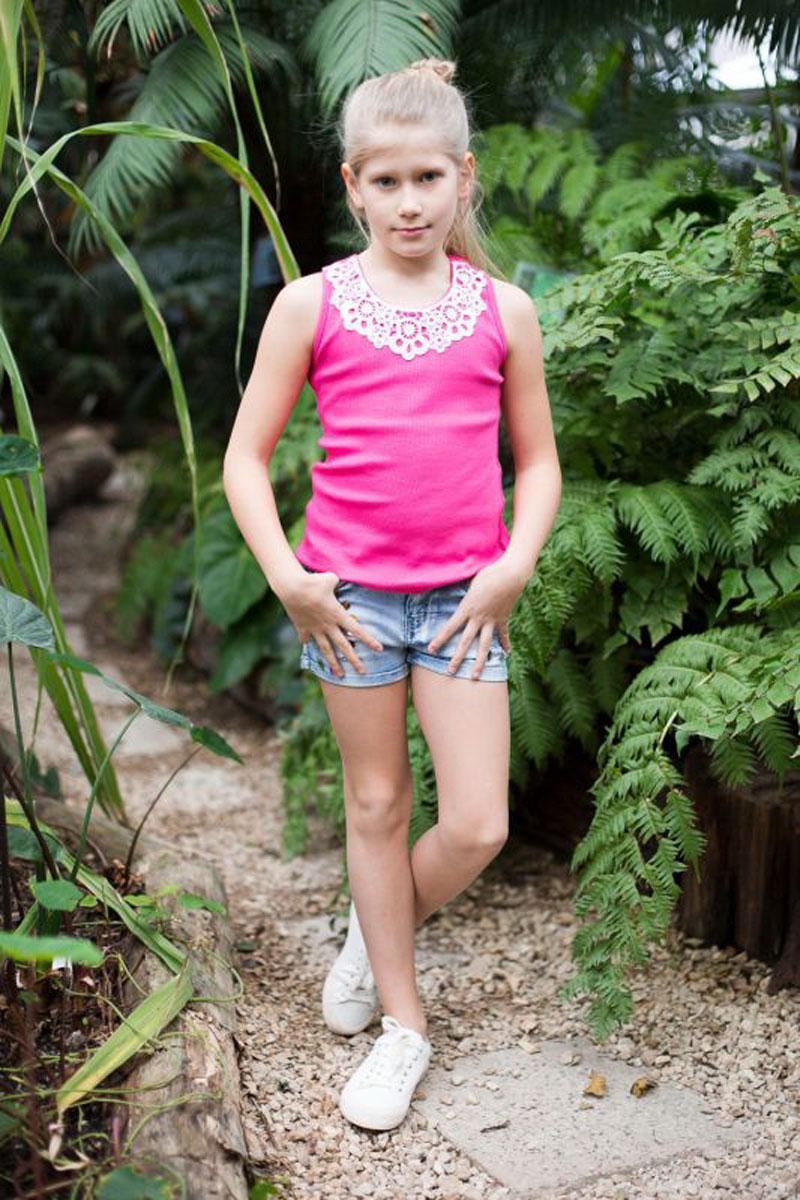 Майка718017Майка-топ для девочки. Горловина декорирована кружевным плетением.