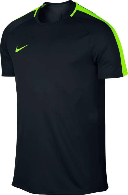 Футболка832967-011В мужской игровой футболке Nike Dry ты сможешь играть на максимальной скорости благодаря рукавам покроя реглан без боковых швов, которые не сковывают движений рук. В ткани Nike Dry используется технология Dri-FIT, которая отводит влагу от кожи, обеспечивая комфорт и высокую скорость. Ткань Nike Dry эффективно отводит влагу от кожи. Кант горловины по внешнему краю не натирает кожу. Рукава покроя реглан не сковывают движений рук во время бега. Вшитые полосы на плечах создают легендарный стиль Nike Football. Справа на груди вышит логотип Swoosh.