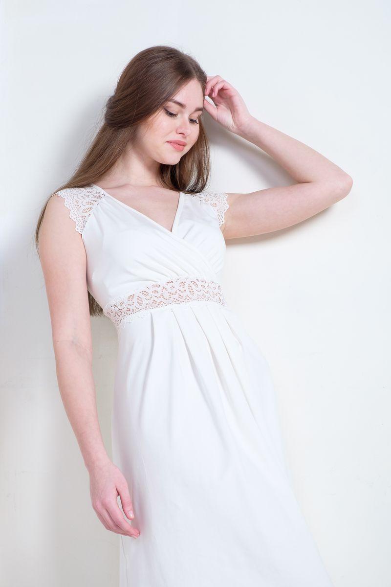 Ночная рубашка1-НМП 21302Невероятно женственная сорочка Hunny Mammy изготовлена из эластичного хлопка. Модель с нежным кружевом поможет вам быть неотразимой в период беременности и грудного вскармливания. Благодаря складочкам под грудью сорочка будет удобна даже на поздних сроках беременности. Конструкция с запахом обеспечивает быстрый доступ к груди при кормлении малыша. Сорочку можно носить после беременности и грудного вскармливания.