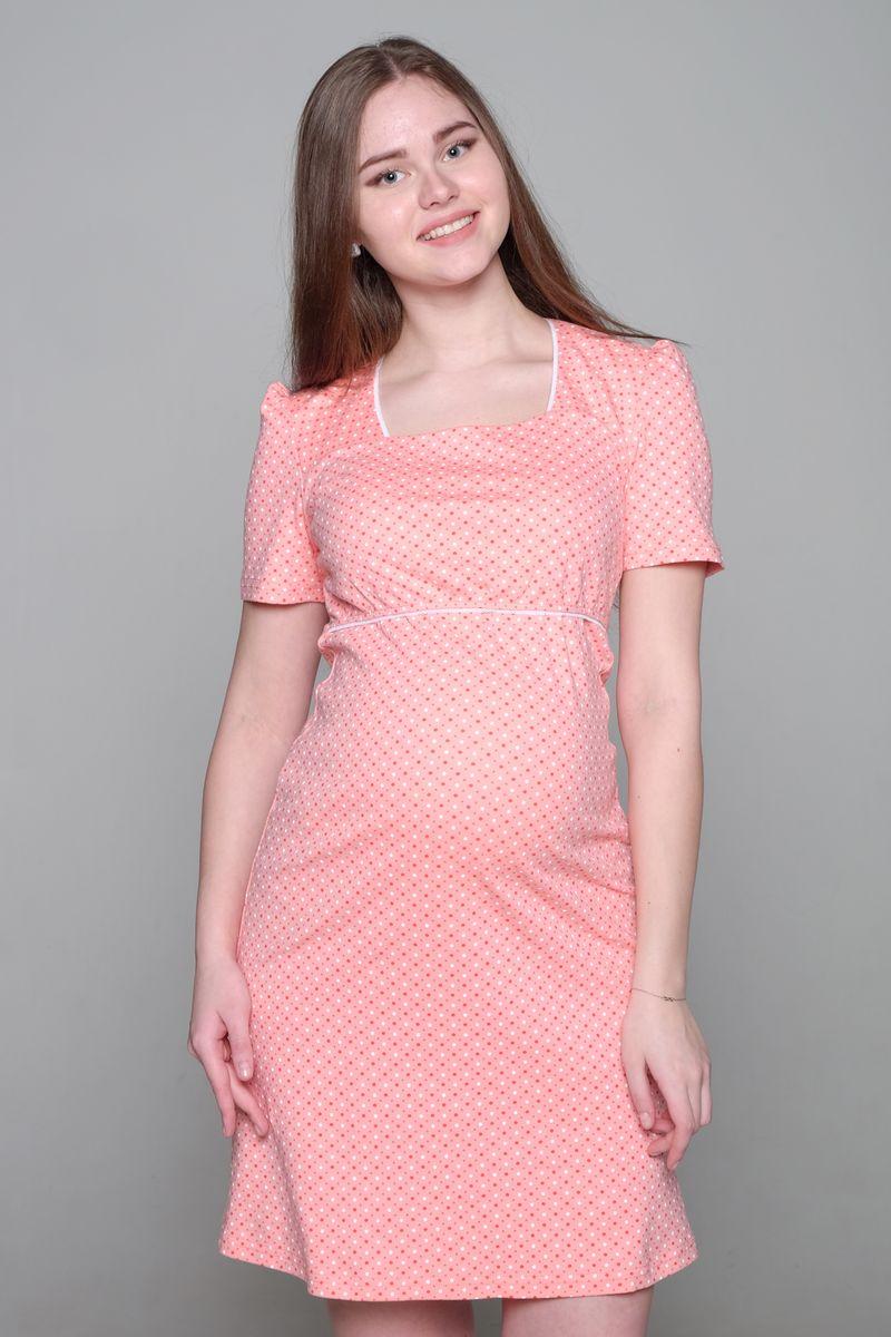 Платье домашнее1-НМО 02703Комфортное домашнее платье Hunny Mammy изготовлено из эластичного трикотажного полотна. Платье с короткими рукавами -фонариками оформлено принтом. Секрет для кормления расположен под отлетной кокеткой лифа изделия.