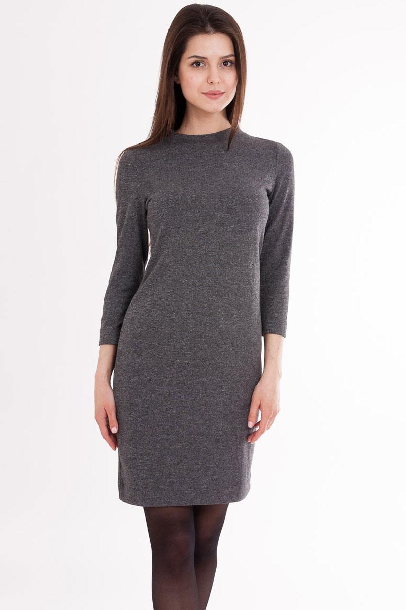 Платье2110-16_5666Платье Mark Formelle выполнено из трикотажного полотна - интерлок (полиэстер с добавлением вискозы и эластана). Длина выше коленей, силуэт полуприлегающий, рукава 3/4. Горловина круглой формы окантована бейкой.