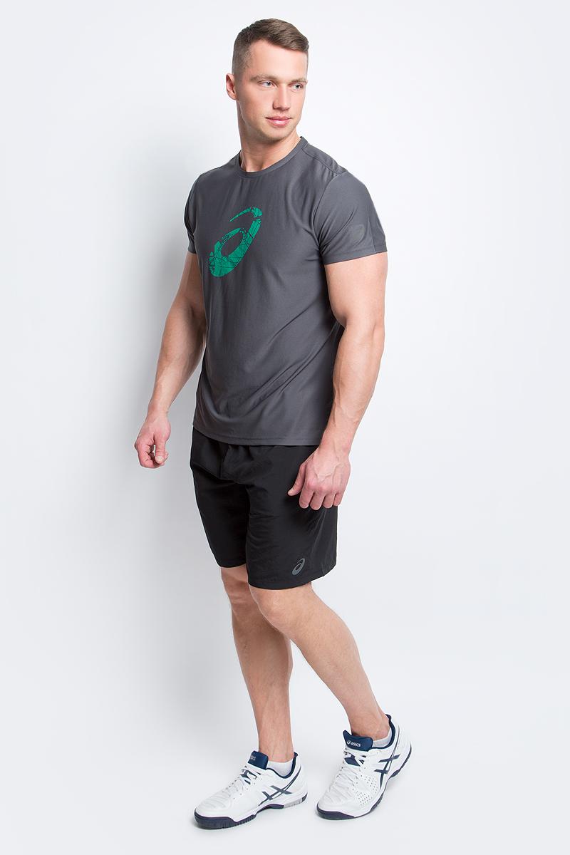 Шорты141083-0904Мужские шорты Asics Woven Short 9in выполнены из полиэстера. Стратегически расположенные сетчатые вставки обеспечивают отличную воздухопроницаемость, вентиляцию и возможность свободно двигаться. Благодаря эластичному материалу ваши движения будут свободными и легкими. Шорты имеют эластичную резинку на поясе, обхват талии регулируется при помощи внутреннего шнурка-кулиски. Модель дополнена двумя втачными карманами спереди.