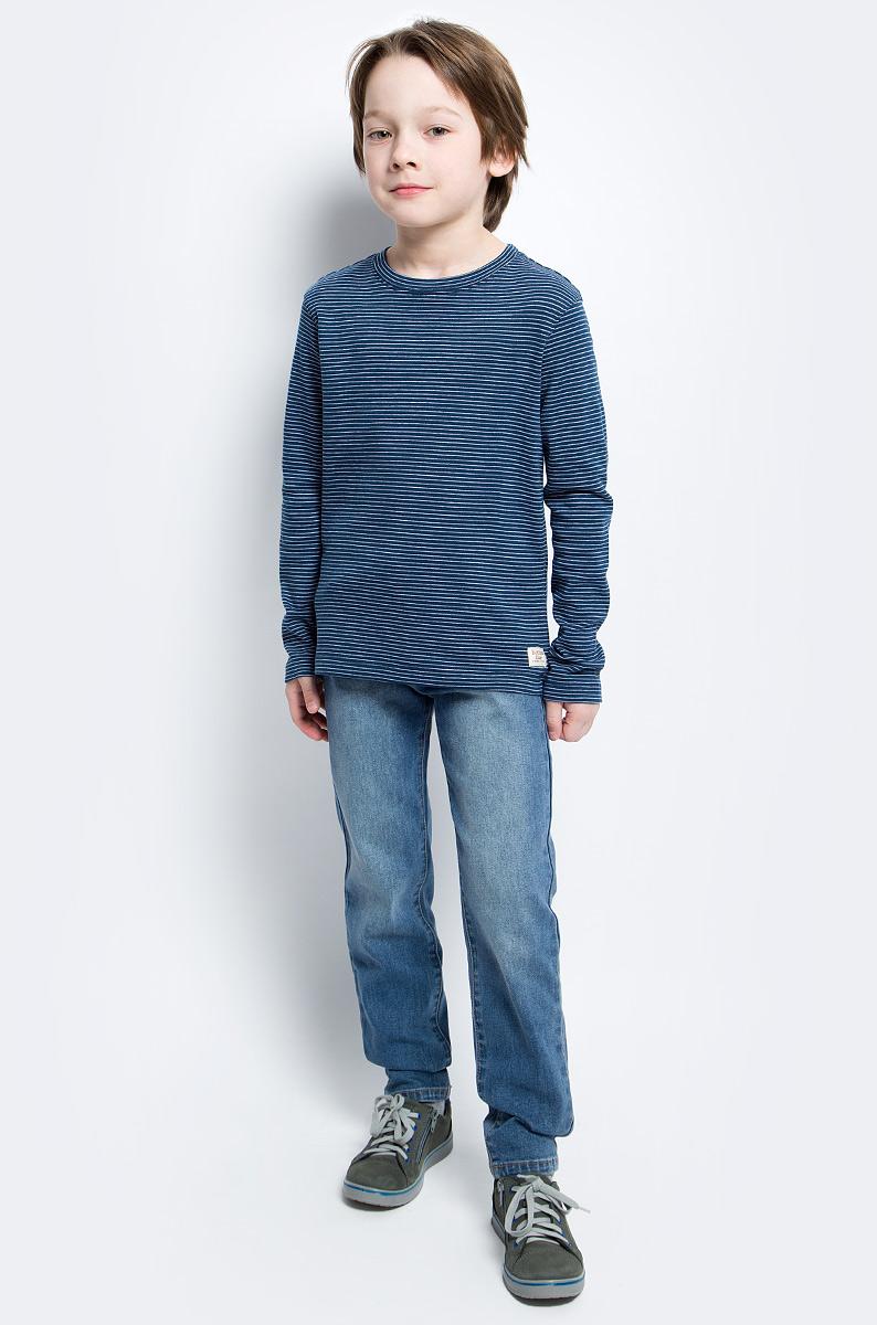 Футболка с длинным рукавом117BBBC12061805Футболка с длинным рукавом в полоску - основа модного образа. Если вы решили купить недорогую футболку для мальчика, которая и весной, и летом будет весьма востребована, выберете полосатую футболку с длинным рукавом от Button Blue.