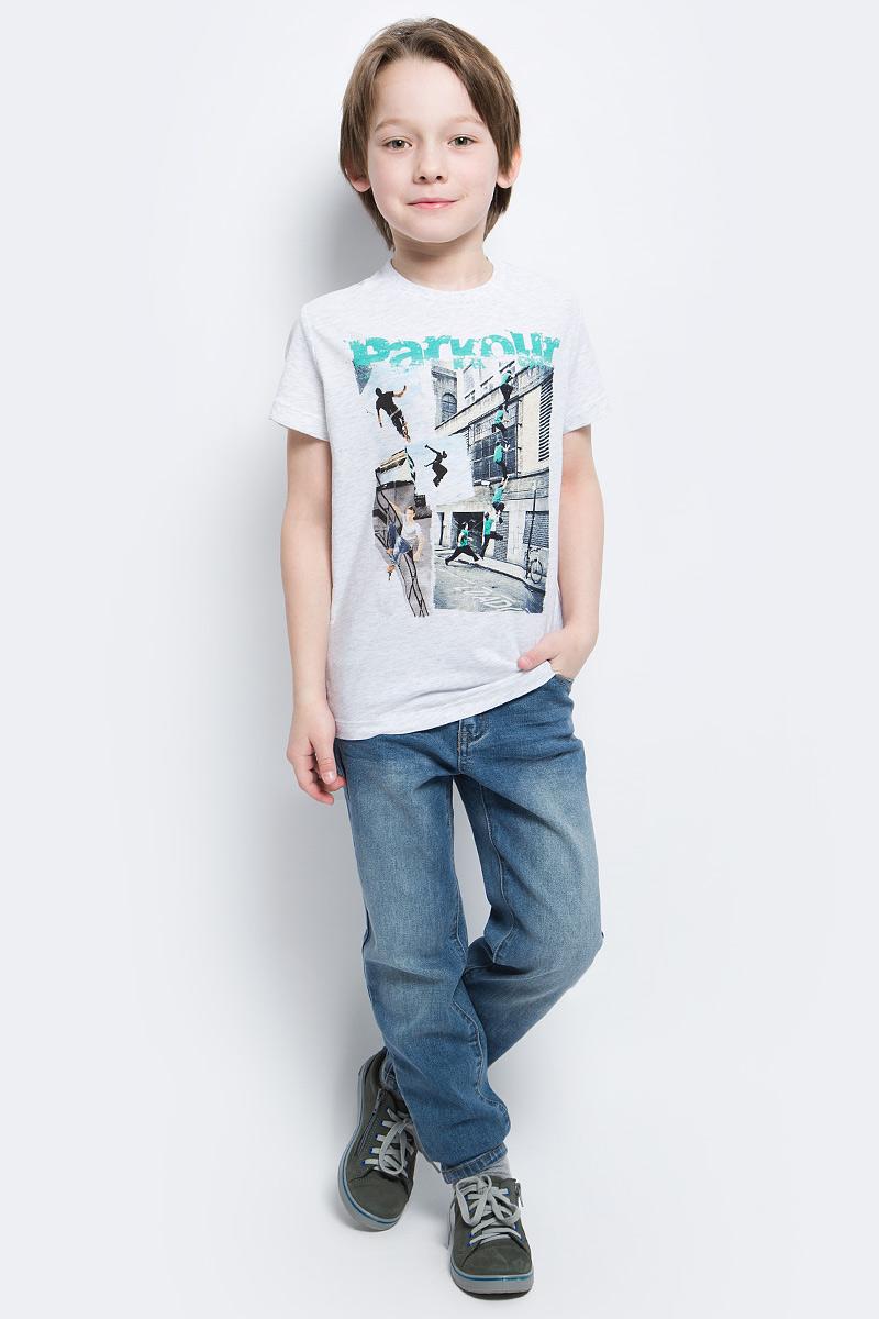 ФутболкаTs-811/1080-7122Стильная футболка для мальчика Sela изготовлена из натурального хлопка и оформлена оригинальным принтом. Воротник дополнен мягкой трикотажной резинкой. Яркий цвет модели позволяет создавать модные образы.