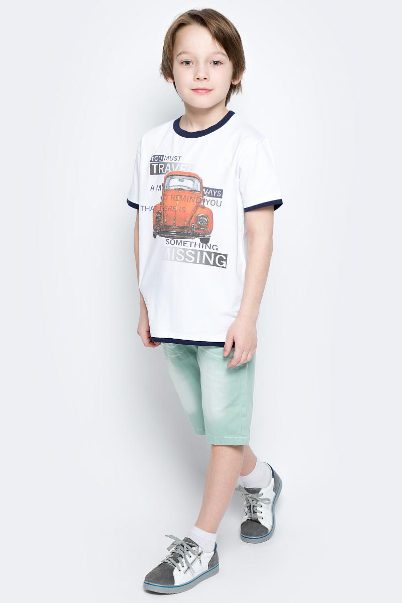 ФутболкаSS162B306-1Футболка для мальчика Nota Bene, изготовленная из эластичного хлопка, сделает образ ребенка стильным и интересным. Материал изделия мягкий и приятный на ощупь, не сковывает движения и позволяет коже дышать, обеспечивая комфорт. Футболка с круглым вырезом горловины и короткими рукавами оформлена принтом с изображением автомобиля и надписями. Вырез горловины, края рукавов и низ модели дополнены вставками контрастного цвета. Футболка станет отличным дополнением к детскому гардеробу, ребенку в ней будет комфортно и удобно.