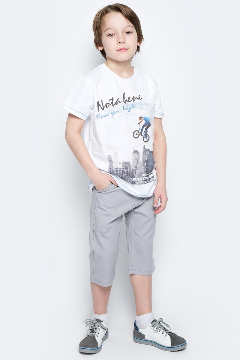 ШортыSS162B413-20Стильные шорты для мальчика Nota Bene идеально подойдут для активного отдыха и прогулок. Изготовленные из хлопка с добавлением эластана, они необычайно мягкие и приятные на ощупь, не сковывают движения и позволяют коже дышать, не раздражают даже самую нежную и чувствительную кожу, обеспечивая наибольший комфорт. Удобные шортики застегиваются на пуговицу в поясе и ширинку на застежке-молнии и имеют шлевки для ремня. С внутренней стороны пояс регулируется резинкой на пуговицах. Шорты дополнены двумя втачными карманами спереди и прорезным открытым карманом сзади. В комплект входит текстильный ремешок. Оригинальный современный дизайн и модная расцветка делают эти шорты модным и стильным предметом детского гардероба. В них ваш ребенок всегда будет в центре внимания!