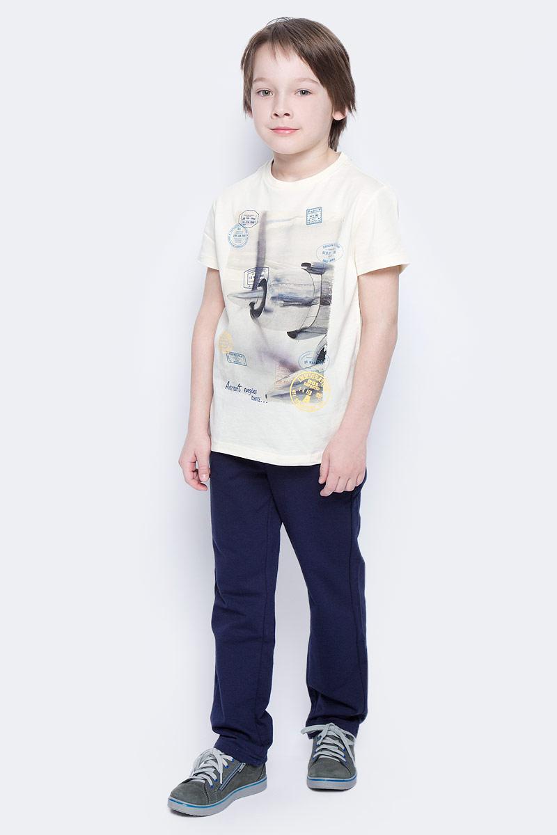 ФутболкаTs-811/1057-7112Стильная футболка для мальчика Sela изготовлена из натурального хлопка и оформлена оригинальным принтом. Воротник дополнен мягкой трикотажной резинкой. Яркий цвет модели позволяет создавать модные образы.