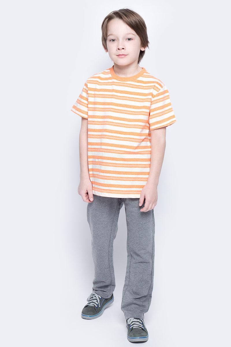 ФутболкаTs-811/1069-7121Стильная футболка для мальчика Sela изготовлена из натурального хлопка и оформлена принтом в полоску. Воротник дополнен мягкой трикотажной резинкой. Яркий цвет модели позволяет создавать модные образы.