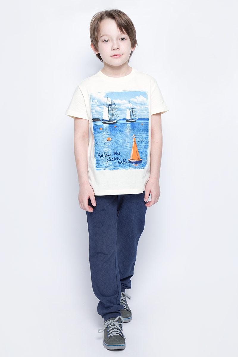 Брюки спортивныеPk-815/304-7112Удобные спортивные брюки для мальчика Sela выполнены из качественного хлопкового материала. Брюки прямого кроя и стандартной посадки на талии имеют широкий пояс на мягкой резинке и дополнены двумя прорезными карманами спереди и накладным карманом сзади. Низ брючин дополнен мягкими трикотажными резинками.