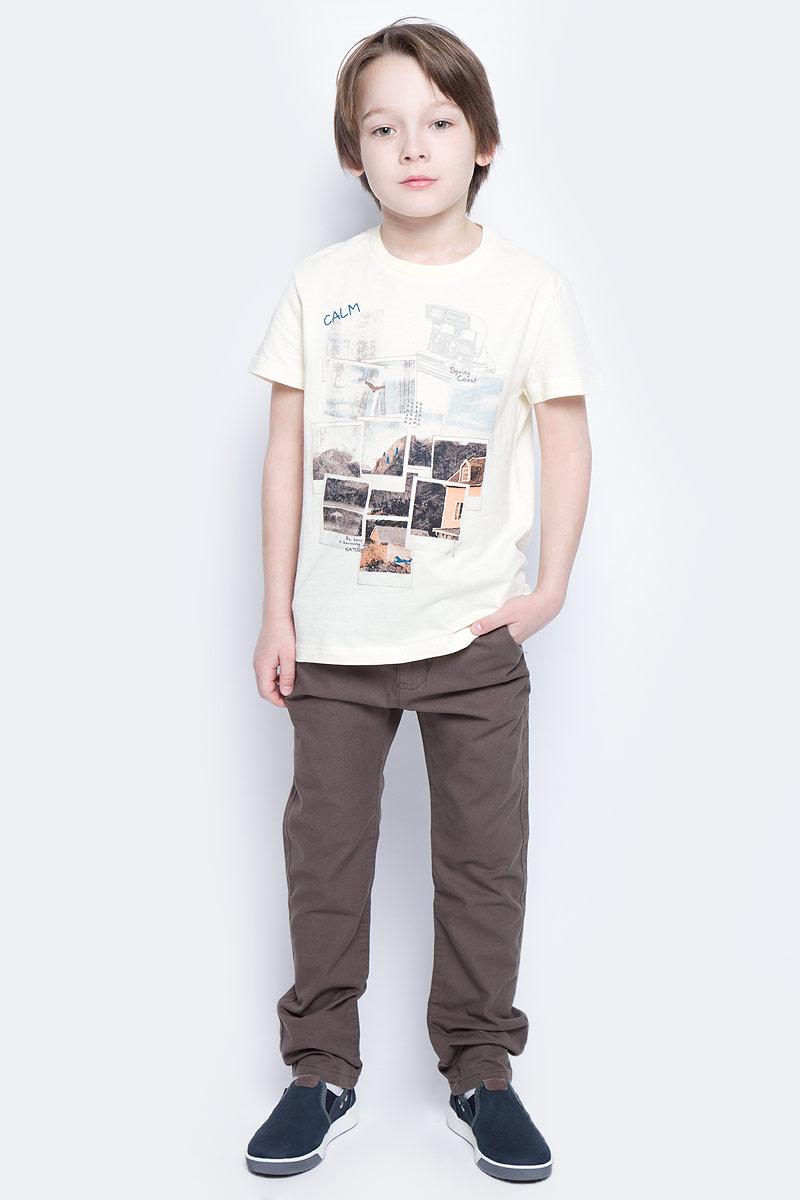 БрюкиP-815/254-6141Стильные брюки для мальчика Sela идеально подойдут юному моднику. Изготовленные из натурального хлопка, они мягкие и приятные на ощупь, не сковывают движения и позволяют коже дышать, обеспечивая наибольший комфорт. Брюки на талии застегиваются на пуговицу и имеют ширинку на застежке-молнии, а также шлевки для ремня. С внутренней стороны пояс регулируется скрытой резинкой на пуговицах. Модель имеет пятикарманный крой: спереди - два втачных кармана и один маленький прорезной, а сзади - два прорезных кармана, закрывающихся на пуговицы. Современный дизайн и расцветка делают эти брюки модным предметом детской одежды. В них ребенок всегда будет в центре внимания!
