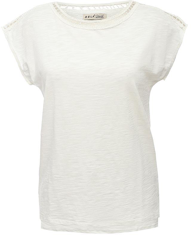 ФутболкаTs-111/1256-7243Стильная женская футболка Sela станет отличным дополнением к гардеробу каждой модницы. Модель полуприлегающего силуэта изготовлена из качественного хлопкового материала и оформлена ажурным плетением на плечах и вдоль выреза горловины. Универсальный цвет позволяет сочетать модель с любой одеждой.