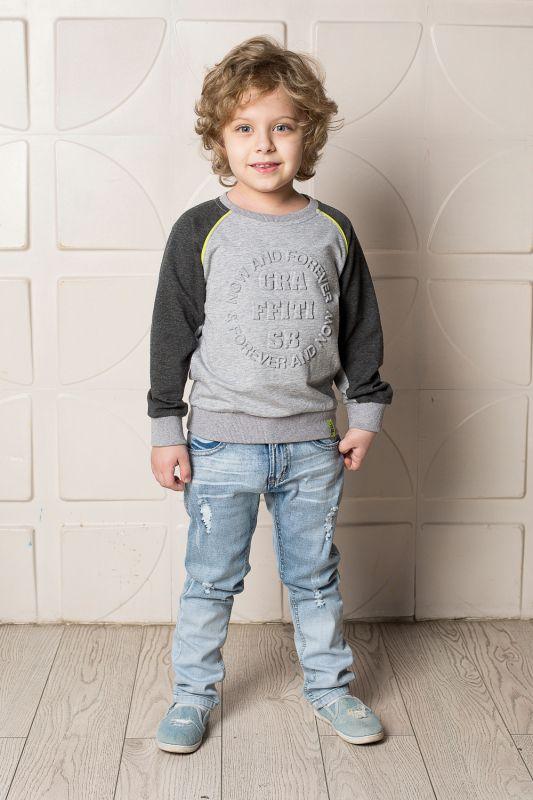 Джинсы713140Стильные вареные джинсы для мальчика Sweet Berry выполнены из эластичного хлопка с эффектом потертости и разрывов. Джинсы зауженного кроя и стандартной посадки на талии застегиваются на пуговицу и имеют ширинку на застежке-молнии. Модель представляет собой классическую пятикарманку: два втачных и один маленький прорезной кармашек спереди и два накладных кармана сзади. На поясе имеются шлевки для ремня. С внутренней стороны пояс дополнен вшитыми эластичными лентами, регулирующими посадку по талии.