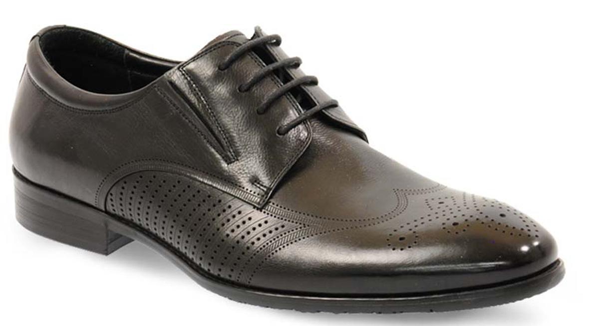 Туфли12-633-1-LUXЭлегантные мужские туфли от Vera Victoria Vito займут достойное место среди вашей коллекции обуви. Модель выполнена из натуральной высококачественной кожи и оформлена перфорацией. Шнуровка позволяет прочно зафиксировать модель на ноге. Резинки, расположенные на подъеме, обеспечивают оптимальную посадку модели на ноге. Стелька из натуральной кожи позволяет вашим ногам дышать. Каблук и подошва с рифлением обеспечивают отличное сцепление с поверхностью. Стильные туфли прекрасно дополнят ваш деловой образ.