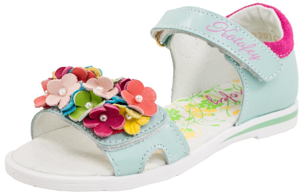 Сандалии522074-21Модные сандалии для девочки от Котофей выполнены из натуральной кожи. Ремешки с застежками-липучками надежно зафиксируют модель на ноге. Внутренняя поверхность и стелька из натуральной кожи обеспечат комфорт при движении. Подошва дополнена рифлением.
