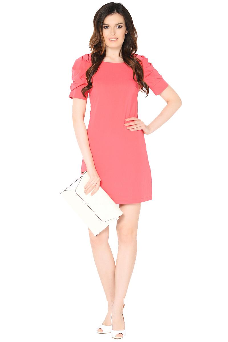 ПлатьеWD-2453FПлатье полуприлегающего силуэта, с втачными рукавами с драпировкой. На плечевых швах - отделочные банты из основной ткани.