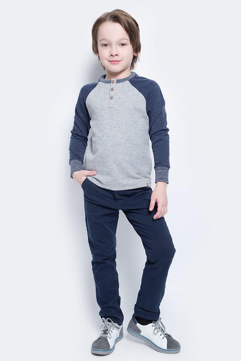 Футболка с длинным рукавом2530232.40.82_2482Лонгслив для мальчика Tom Tailor выполнен из высококачественного материала. Модель с круглым вырезом горловины и длинными рукавами сверху застегивается на пуговицы.
