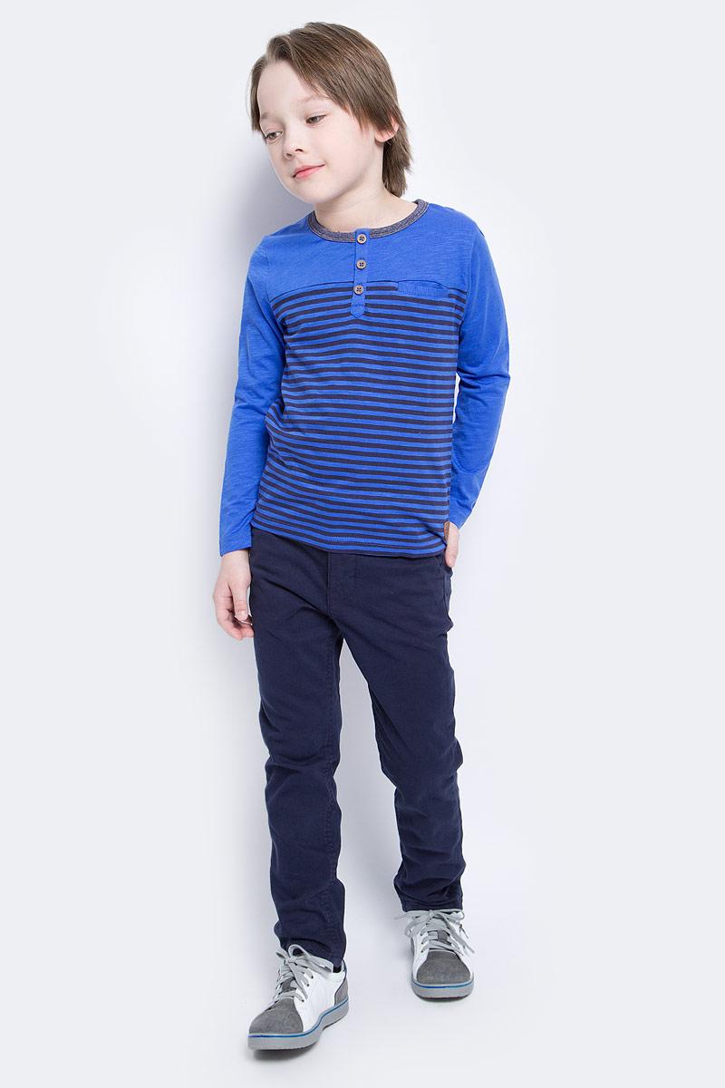 Футболка с длинным рукавом1034591.40.82_6962Лонгслив для мальчика выполнен из высококачественного материала. Модель застегивается сверху на пуговицы. Модель с круглым вырезом горловины и длинными рукавами.