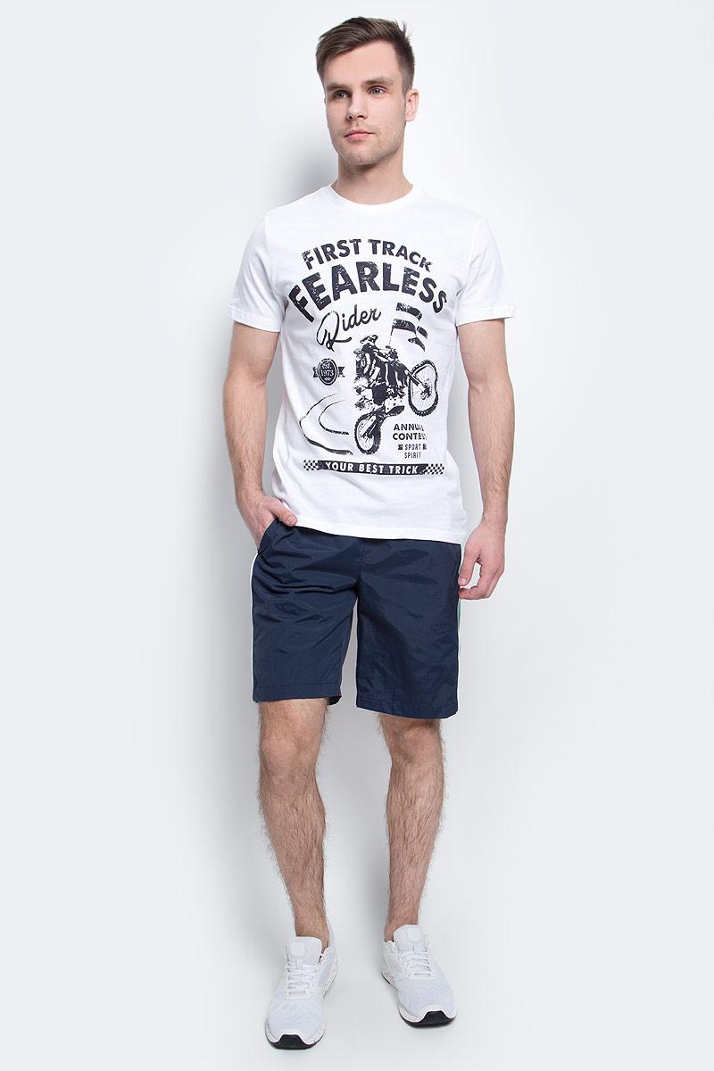 Шорты для плаванияSHsp-2415/004-7214Мужские пляжные шорты Sela, изготовленные из качественного материала с контрастными вставками, - идеальный вариант, как для купания, так и для отдыха на пляже. Модель прямого кроя с вшитыми сетчатыми трусами имеет широкий пояс на мягкой резинке. Изделие дополнено двумя прорезными карманами. Шорты быстро сохнут и сохраняют первоначальный вид и форму даже при длительном использовании.